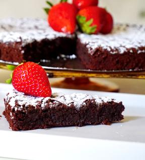 Decadent Flourless Chocolate Cake Recipe that's easy to make